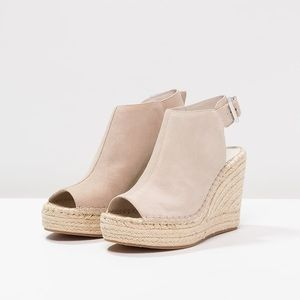 Kenneth Cole Olivia Wedge Espadrille